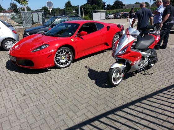 Mein Jetty mit nem Ferrari F430