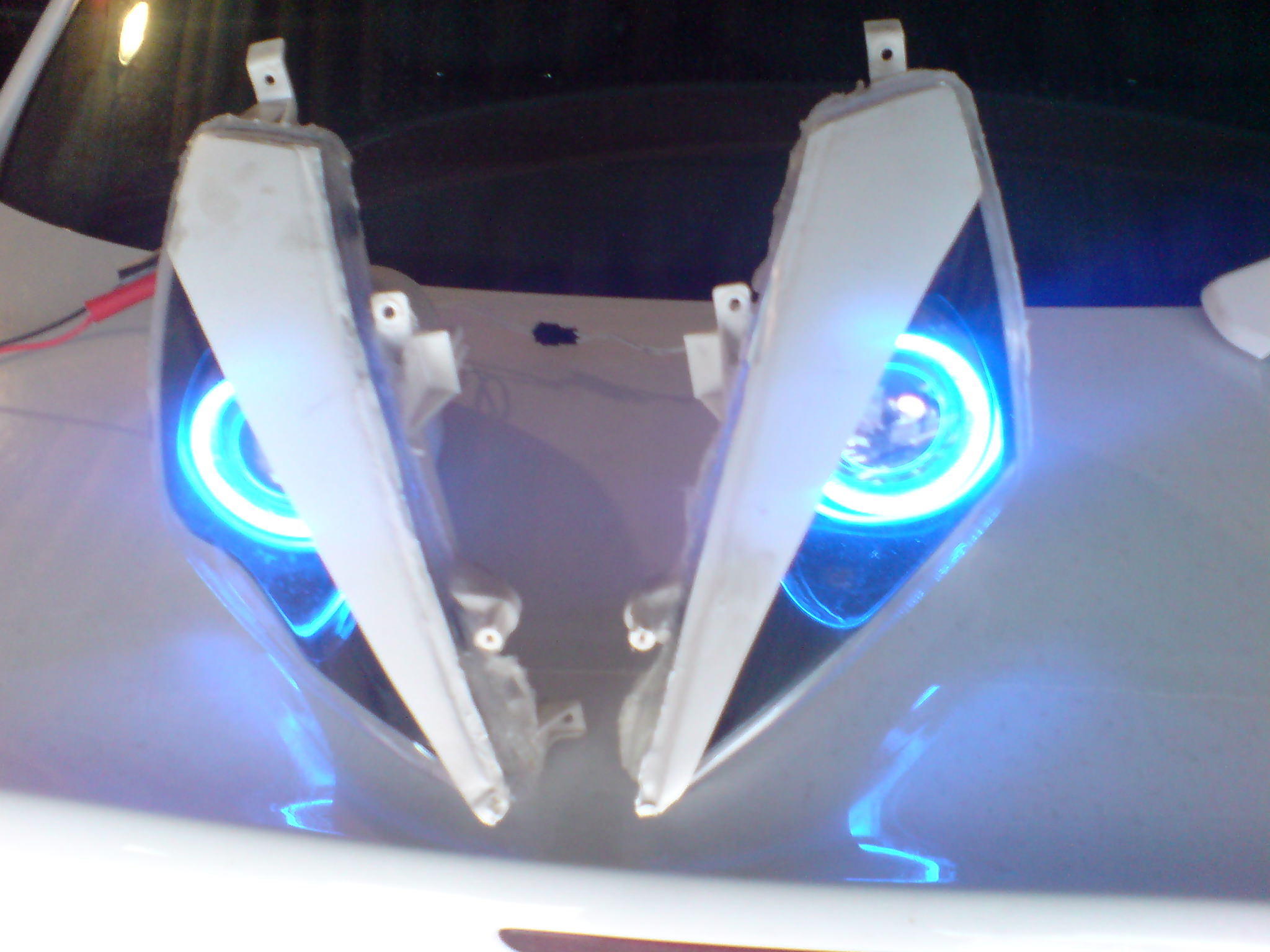 scheinwerfer mit blauen angel eyes verkauf letzter tag. Black Bedroom Furniture Sets. Home Design Ideas